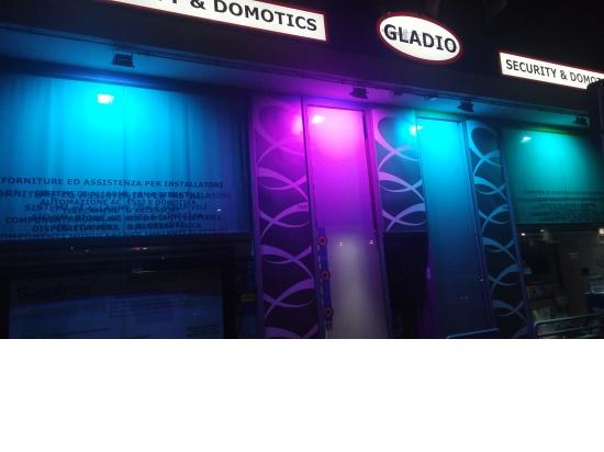 Showroom Torino 4...