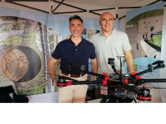 Claudio e Marco presentano i droni in fiera...