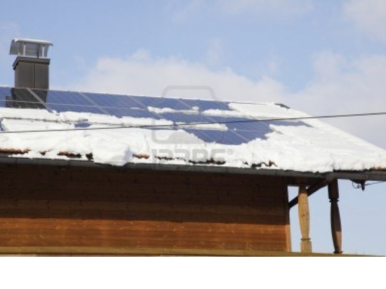 Fotovoltaico  attrezzato di bandella riscaldante ...