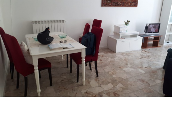 LATISANA: centralissimo appartamento piano terra c...