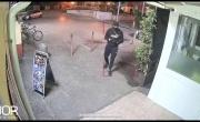 Alto Casertano: malintenzionato allontanato in live dal Custode Virtuale BOR - YouTube